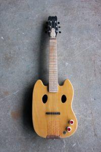 Pat Guitar 01